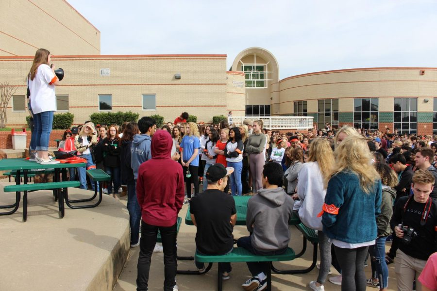 Alanna+Miller+%2811%29%2C+Anika+Shah+%2811%29%2C+and+Katie+Silverman+%2812%29+address+a+crowd+of+CSHS+students+at+the+beginning+of+the+walkout.